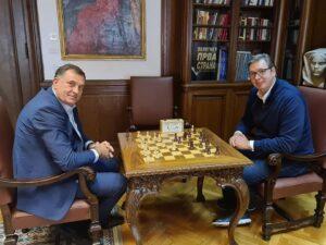 Додик се састао са Вучићем; Разговарали о изградњи аеродрома у Требињу