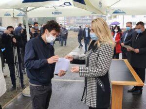 Предсједница Српске уручила кључеве 32 стана корисницима алтернативног смјештаја