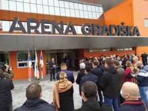Отворена Арена Градишка; Уложено 14 милиона КМ (ФОТО)