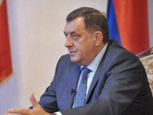 Додик: Очигледно неко покушава да завади руководство Српске и Србије