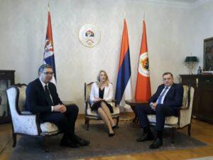 Цвијановић и Додик са Вучићем у Палати Републике
