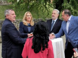 Цвијановић: Добродошлица премијеру Црне Горе