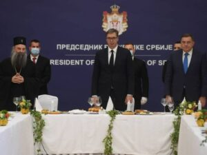 Додик на ручку са Вучићем, патријархом Порфиријем и владикама