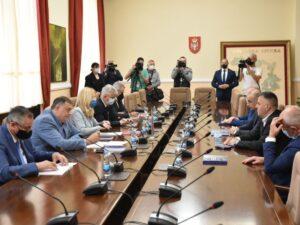 Састанак предсједнице Српске са лидерима странака владајуће коалиције