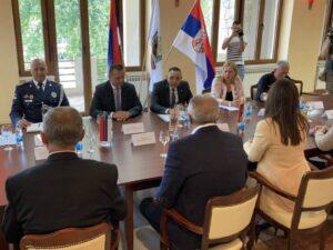 Лукач и Вулин у Дрвару: Србија ће наставити да помаже Србе у ФБиХ