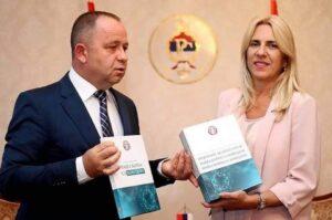 Цвијановић: Eпидемиолошка ситуација и даље сложена